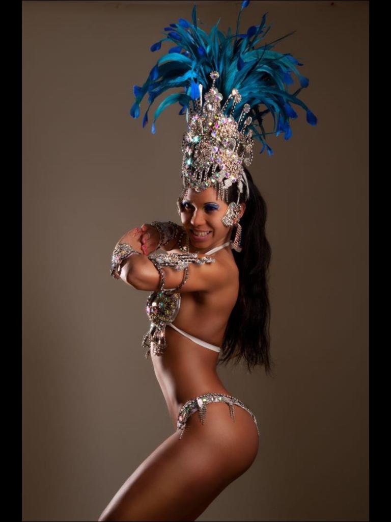 Gogo-Strip-Topless-Brazil Magda Nied