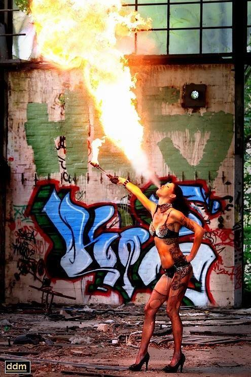 Gogo-Feuer-Strip-Jenny Hamb
